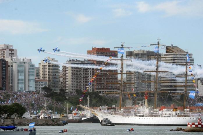 Mar del Plata, regreso de la Fragata Libertad
